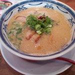 六寶 - 博多豚骨ラーメン(麺硬め)