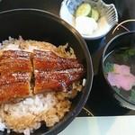 尾関屋 - 料理写真:うな丼(1566円)
