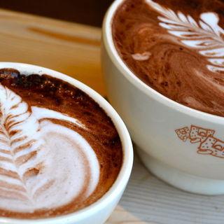 オーガニックのコーヒーと温もりのあるカフェオレボウル
