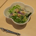 ベツ・バラーレ - 「ベツバラセット」(1,550円)のサラダ。