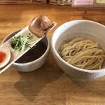 KUCHE - 料理写真:つけ麺KURO 880円(税込)