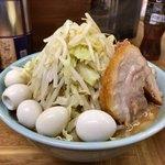 ラーメン二郎 - 料理写真:小ラーメン¥780 うずら¥100 コールはニンニクのみ