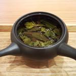 茶菓 えん寿 - 特級 釜炒り茶「たかちほ」の茶葉