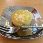 cafe de lacasa - サービスで出して頂いた、ストーブで焼いた焼き芋♪