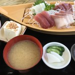 ふしみ食堂 - 刺身盛定食   1300円