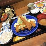 かつ雅 - 料理写真:カキフライ定食1580円エビフライトッピング250円税別価格  タルタルソース多め!!