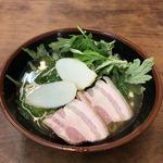 うちなーすばヤージ小 - 料理写真:フーチバーそば(ハーフ)¥500
