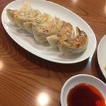 吉田飯店 関内店 - 焼き餃子(^∇^)