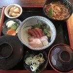 まるすけ - お刺身定食1300円