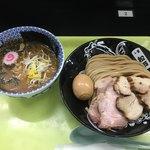 中華蕎麦 とみ田 - 「濃厚つけめん 並」881円に「特製トッピング」301円