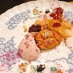 ハミルトン アール - 石垣島の黒糖塩キャラメルアイスと紫芋のフォンダン