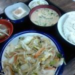 すみれ食堂 - 野菜炒め定食