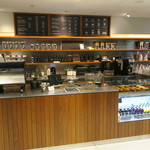 ウニール - ホテル インソムニアに併設されたスタイリッシュなカフェ2