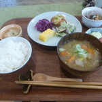 つながる台所・Tane - 料理写真:日替わり定食 800円