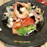 コカレストラン&マンゴツリーカフェ - シーフードと春雨のスパイシーサラダ