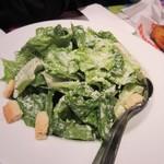 フーターズ - サラダはシザーサラダ1166円。