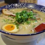 博多ラーメン鶴亀堂 - 料理写真:博多とんこつ全部のせ