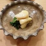 79089512 - アコヤガイと菊菜の和え物