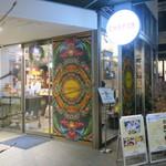 79091010 - エトロの色使いを思わせるカラフルさの中にパリのエスプリが漂う可愛い店1