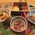 日本料理 太月 - 30年1月 秋田赤ナマコ酢、白バイガイ煮含め、鮟肝