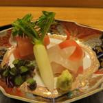 日本料理 太月 - 30年1月 お造り 銚子カジキ、鹿児島鯛 青味大根、紫芽