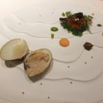 レストラン フウ - ブイヤベースのジュレボール キャビア 才巻き海老 ムール貝 つぶ貝 浅利 ほうれん草とトマトのピュレ ハマグリのオリーブオイルソテー
