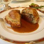 カーエム - 牛フィレとフォワグラのパイ包み焼き ウェリントン風