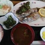 呑み喰い処 奥飛騨 - 黒ムツ塩焼き定食(880円)