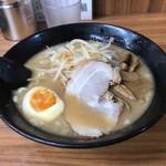 せい家  - 料理写真:味噌ラーメン 580円