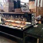 藍ヶ江水産 地魚干物食堂 - お土産も購入できます。