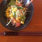 ランチ&バー 花菜 - セットのサラダ