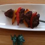 79111570 - 栃木県産桜美牛(おうみぎゅう)もも肉の串焼き
