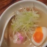 79112377 - 鶏白湯塩ラーメン スープ◎