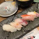 もりもり寿し - 料理写真:白身五点盛り850¥ ぶり、金目鯛、マフグ、など。フグの旨味凄い。昆布締めも美味しい
