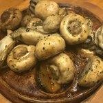 79114335 - 牡蠣とマッシュルーム、じゃが芋のソテー