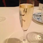 アカーチェ - 乾杯スパークリングはフェラーリ