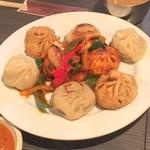 ネパール民族料理 アーガン - ミニミックスモモ900円