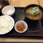 79116371 - モツ煮定食