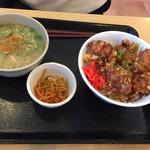 79116396 - 唐揚げ丼と豚汁定食