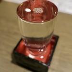たかの家 - 千葉勝浦の地酒・鳴海(なるみ)(グラス650円)