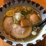 鶏そば一休 - 料理写真:鶏塩味玉付きラーメン