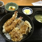 魚彩 銀の鯛 - 鯛と海老天丼600円