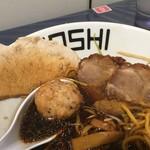 鶏 ソバ カモシ - チャーシュー(豚、鶏)、つくね
