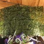 麺屋 玲 - 海苔3枚✧*。 風味が強く美味しいですね。