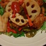 全席個室居酒屋 京の町に夢が咲く - 鶏肉と野菜の炒め物