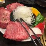 炙り焼肉 おさ - 料理写真: