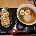 麺や かず - 芳醇醤油味玉らーめん+焼き餃子セット(6ケ)