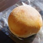 やさいとげんこつパンの店 そとにわ - げんこつパン