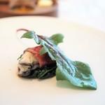 ラ クレリエール - 軽くポシェした牡蠣を牛肉で巻いて