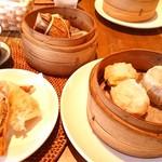 上海茶房 Lu-Lu-Cha - 春巻きと中華ちまきと三種の焼売